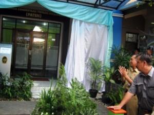 Wakil Walikota Jogja, Imam Priyono membuka Pelayanan Administrasi Terpadu Kecamatan (Paten) di Kecamatan Mergangsan, Rabu (12/12/2012)